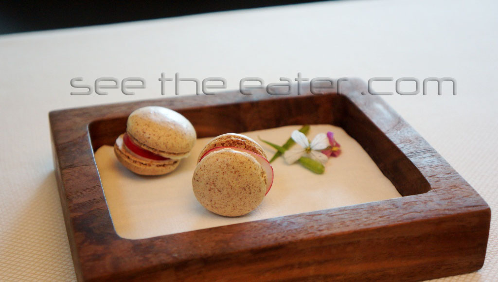 Amuse bouche: Pumpernickel Macarons