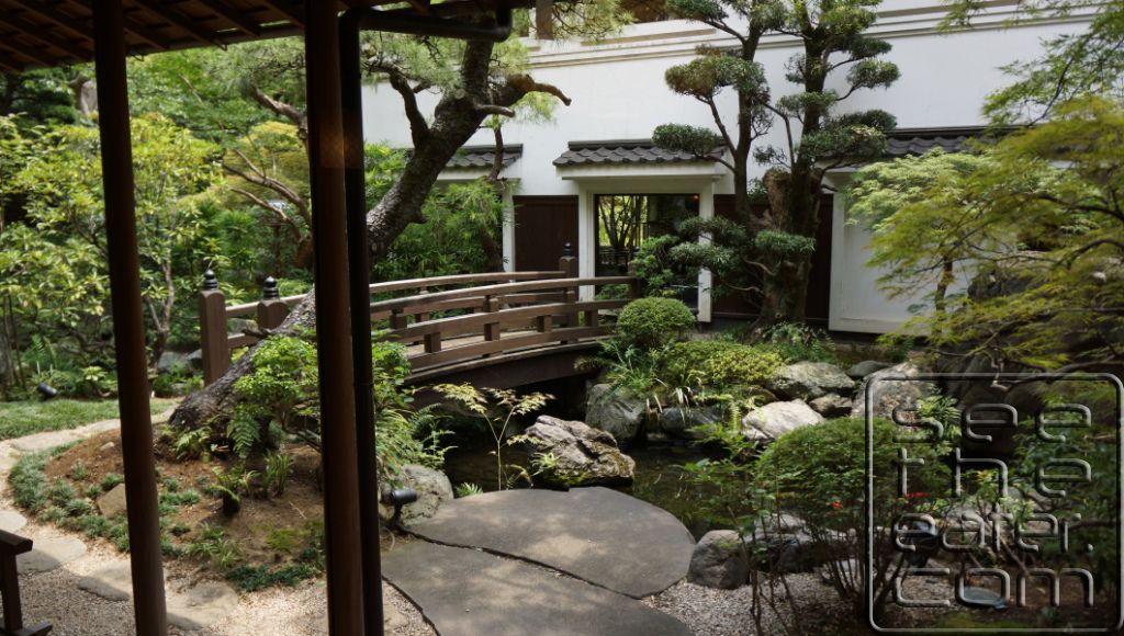 View of the Tokyo Shiba Tofuya-Ukai Garden from our private tatami dining room
