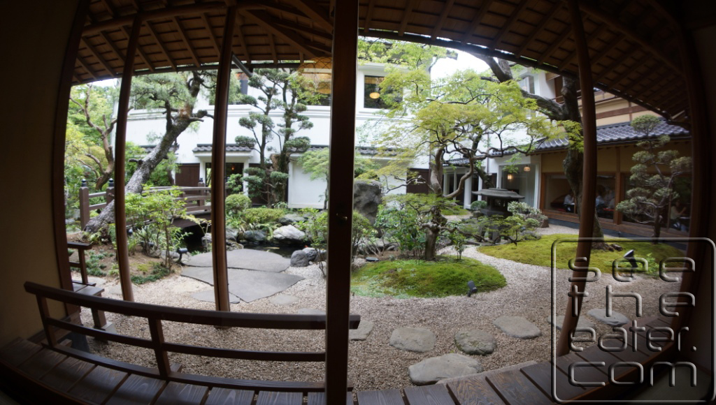 View of the Tokyo Shiba Tofuya-Ukai Garden from our private tatami dining room (fish eye camera lens view)